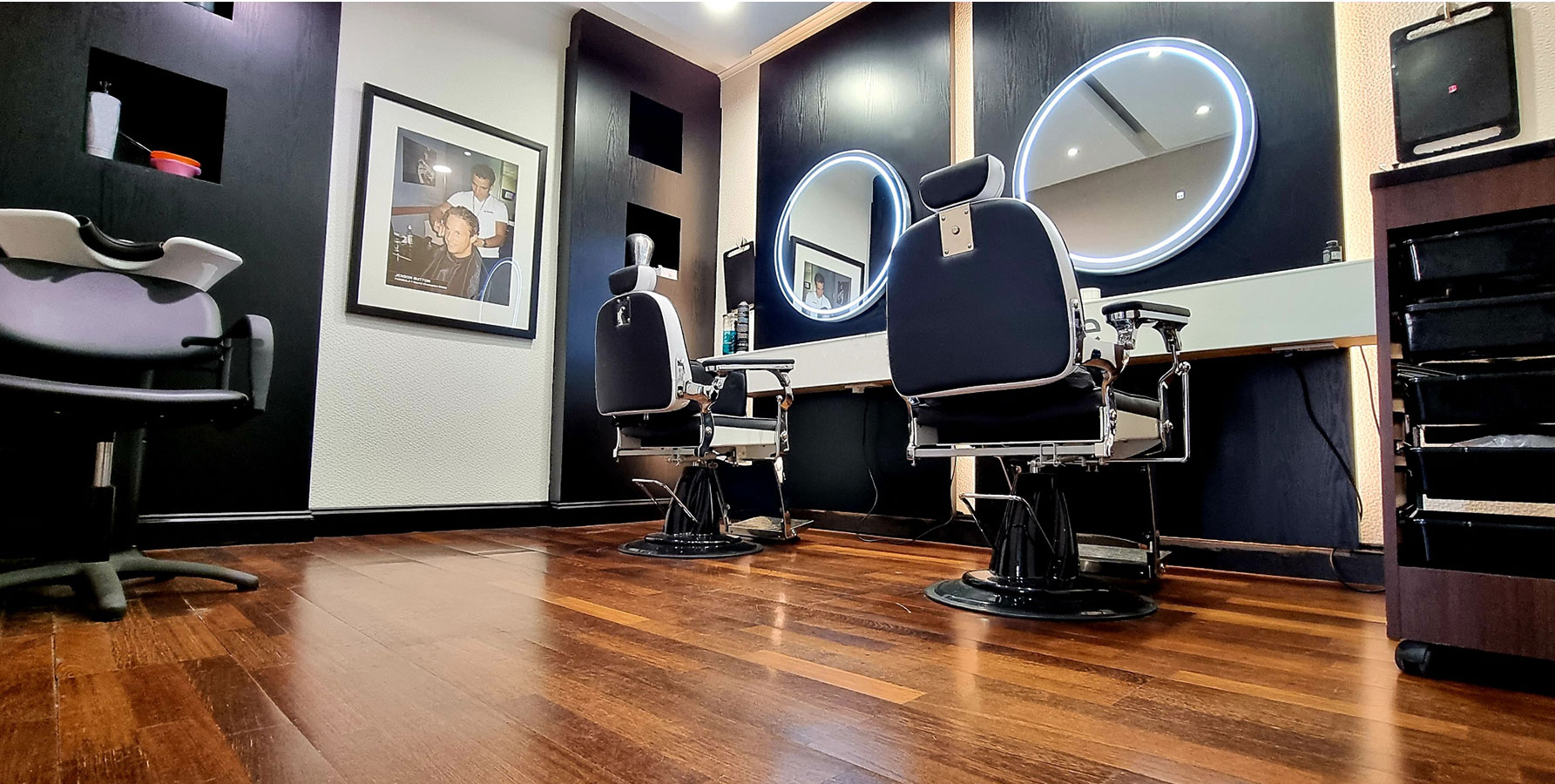 Jason Shankey Barber And Hairdressing Training Academy | 235 Lisburn Road, Belfast BT9 7EN | +44 20 7148 3877